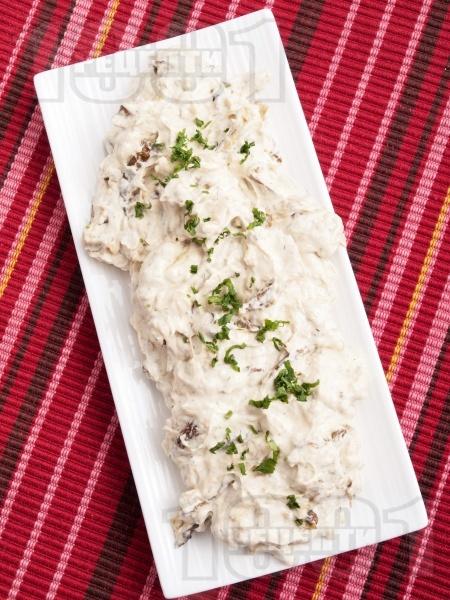 Салата от тиквички с кисело мляко и майонеза - снимка на рецептата